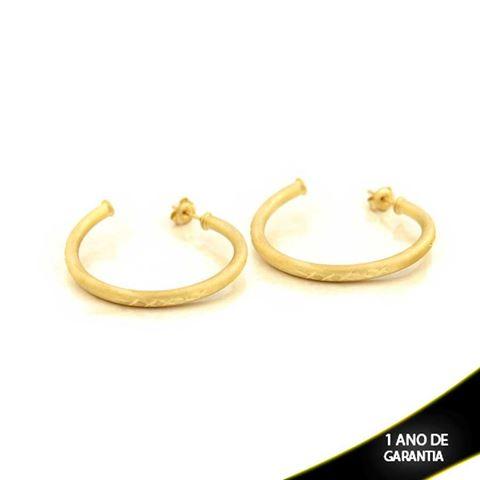 Imagem de Brinco Argola Tubo Fosca com Detalhes Diamantados em X - 0210312