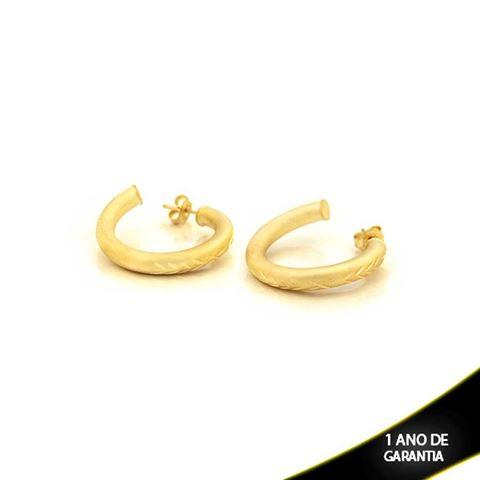 Imagem de Brinco Argola Tubo Fosco com Detalhes Diamantados - 0210315