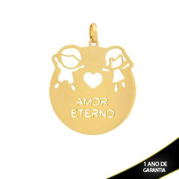 """Imagem de Pingente Redondo Vazado Escrito """"Amor Eterno"""" com Menino e Menina - 0304253"""