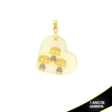 Imagem de Pingente Coração Com Réplica De Madrepérola Branca Com Três Meninas - 0303973